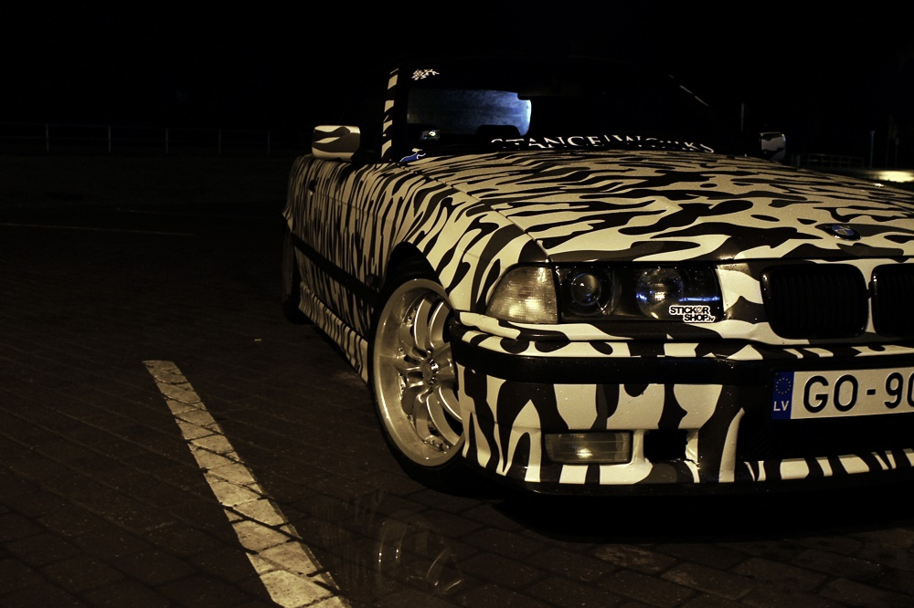 Didža BMW e36 Black And White CAMO